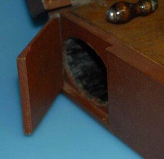 c88ef56fedba5b ... Leophone Reise Koffer Grammophon Holz um 1920